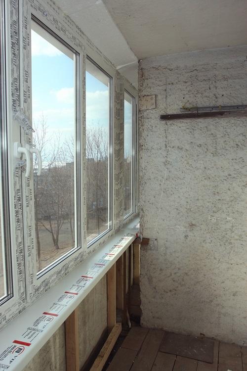 Этапы остекления балконов.